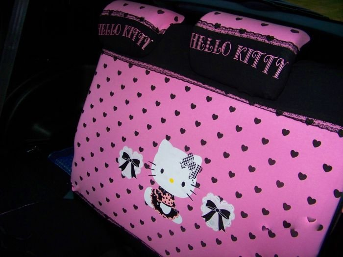 Автомобиль в стиле Hello Kitty (21 фото)