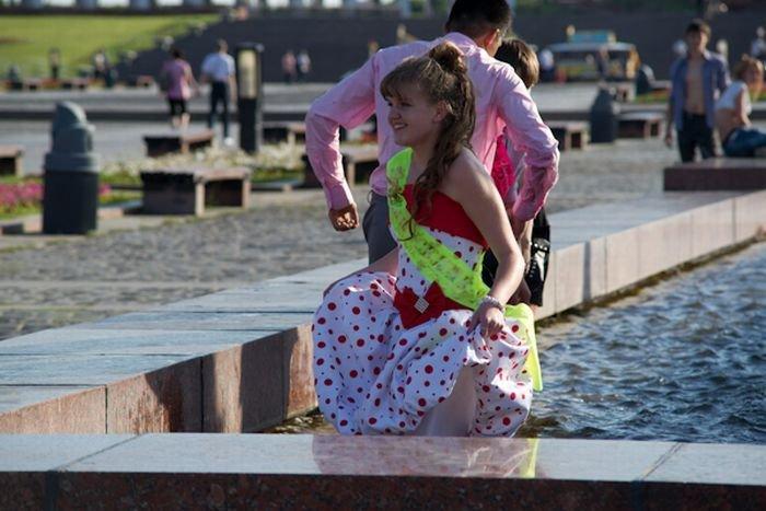Выпускной 2011 (86 фото): http://zagony.ru/2011/06/27/vypusknojj_2011_86_foto.html