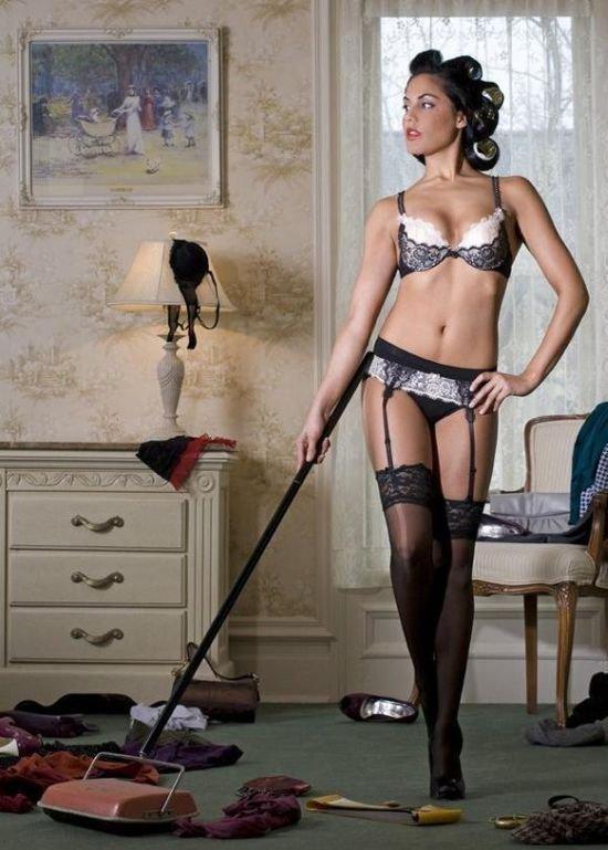 Девушки за домашней работой (28 фото)