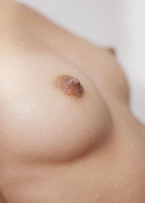 Фотографии груди 2го размера