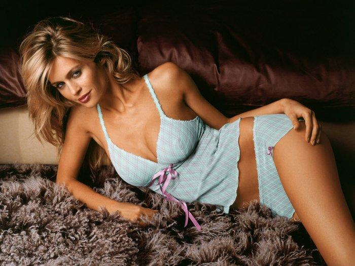 Видео оргазм, самые взрослые женщины порно фото в аптеке