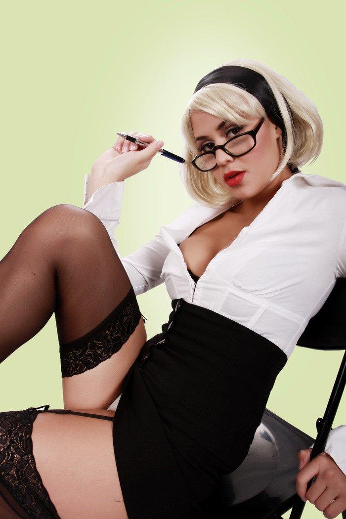 Эротическое фото бизнес-леди