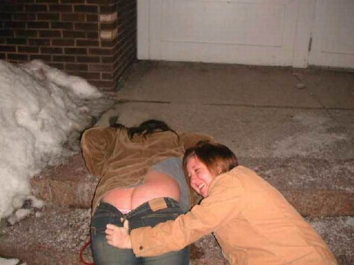 фото пьяных раздетых