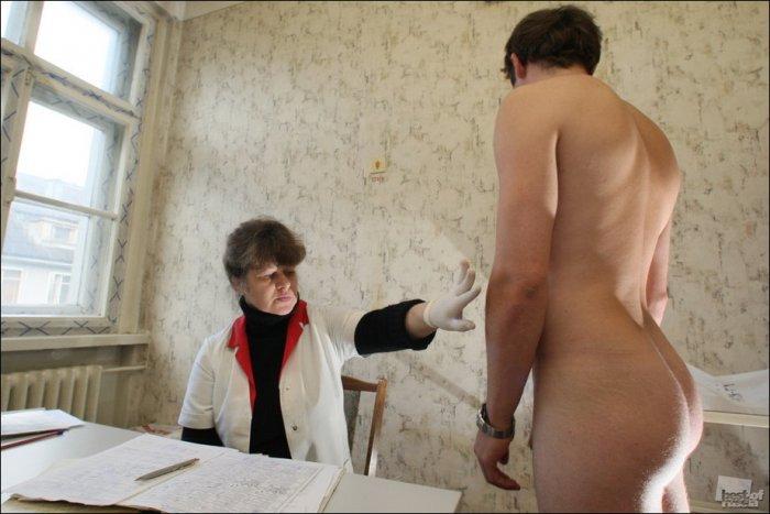 медосмотр голых парней мужчин: