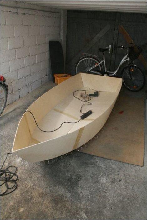 показать как строить лодку