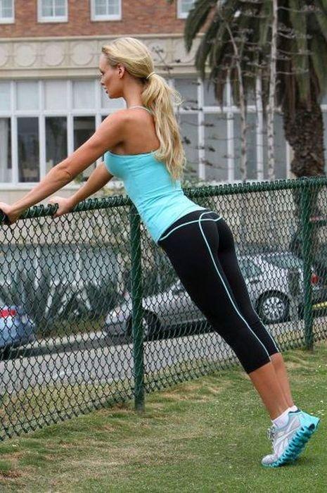 гимнастка в леггинсах фото