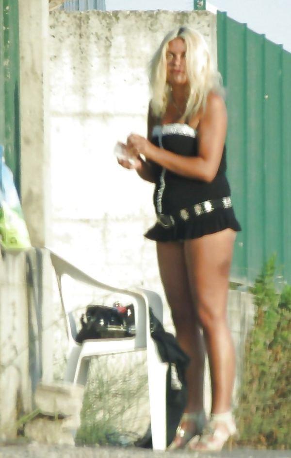 Русская проститутка на любимой работе