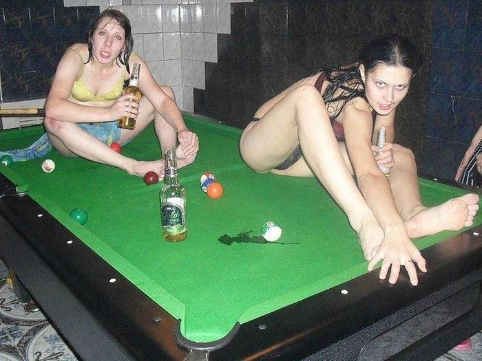 Смешные голых девушек фото