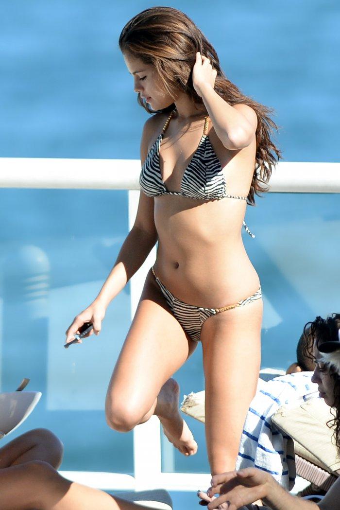 Selena Gomez (20 ����)