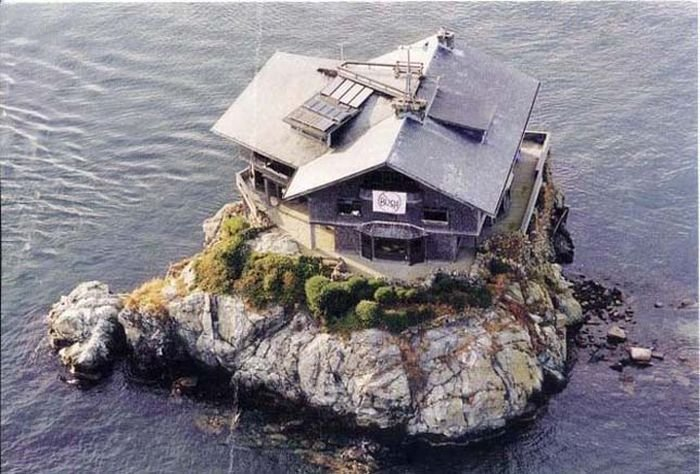 Домик в Касторья на берегу моря