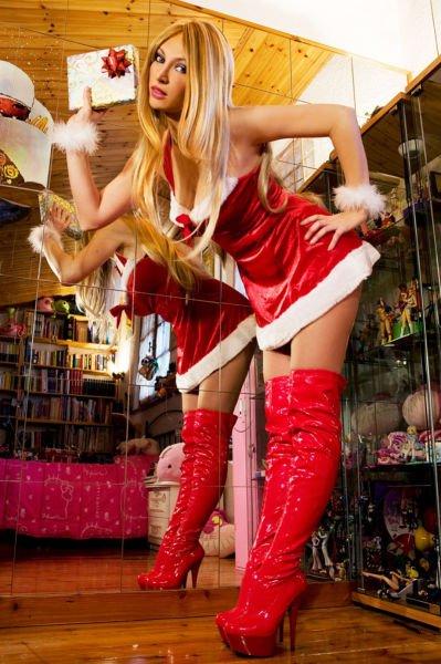 Рождественские девушки (61 фото)