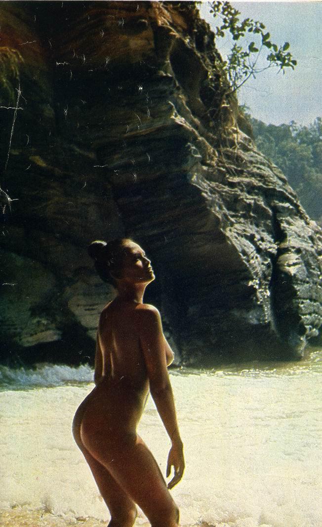 порно фильмы на острове с русским переводом