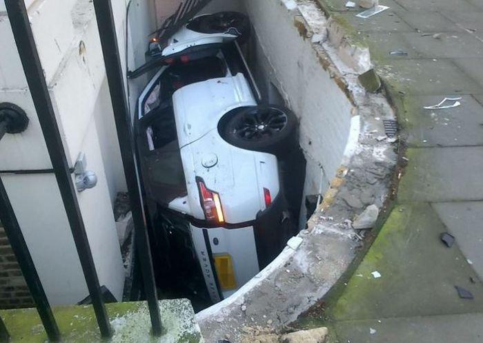 Необычная парковка (7 фото)