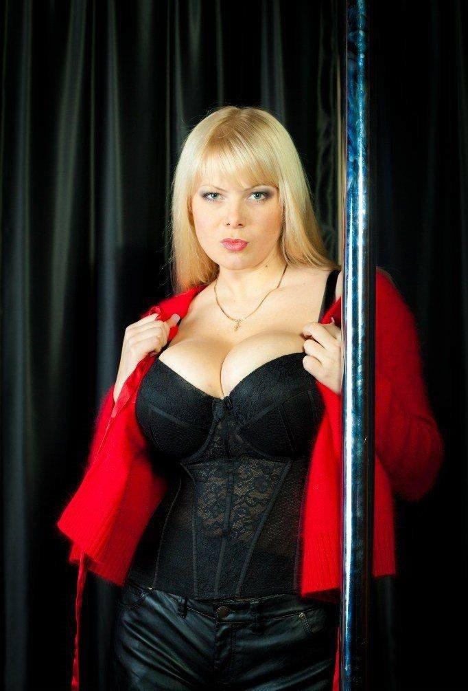 Большие груди российских актрис этим