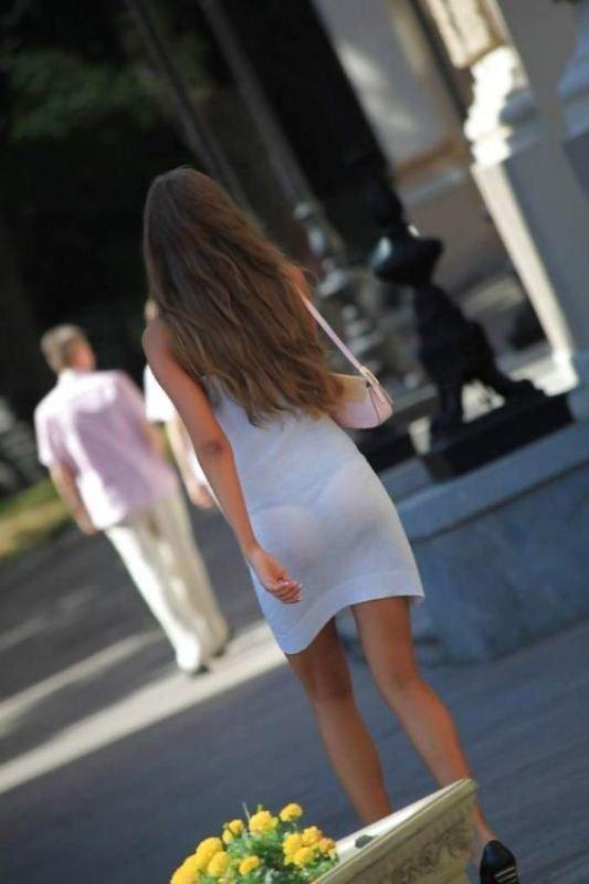 Фото у девушек под платьем