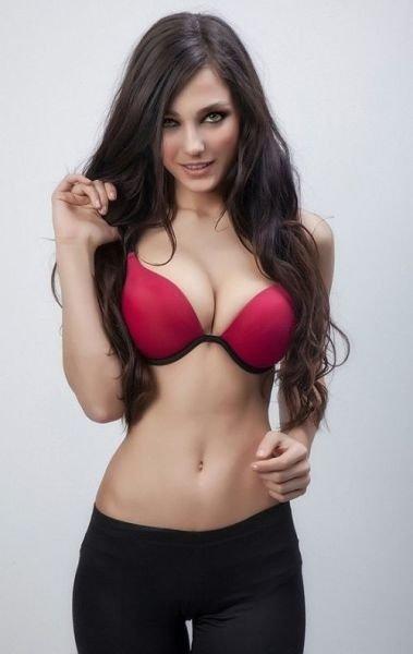 Сексапильная фигура большая грудь