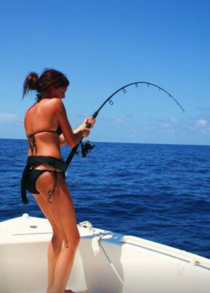 фото брюнеток на рыбалке