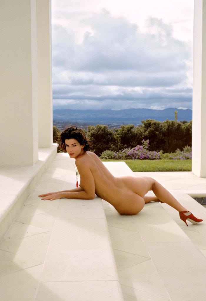voluptuous woman nude videos