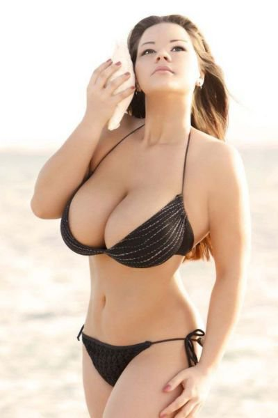 Девушки скрасивой грудью фото 495-253