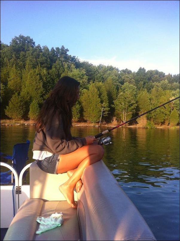 что взять женщине на рыбалку