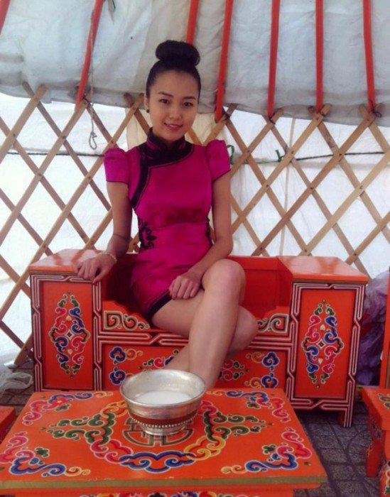 golie-devushki-mongolii