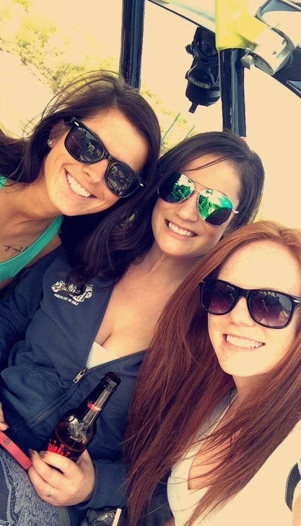 Девушки в солнцезащитных очках (36 фото)