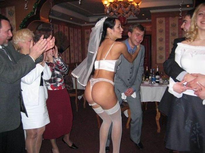 свадебный прикол голие девушки видео