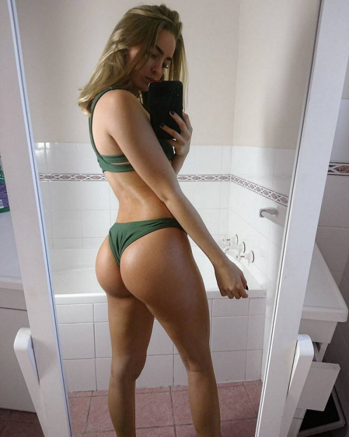 Curvy girl thick wide hip selfie