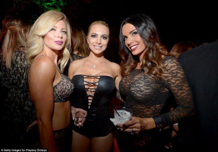 Сексуальные вечеринки девушек плейбой видео смотреть