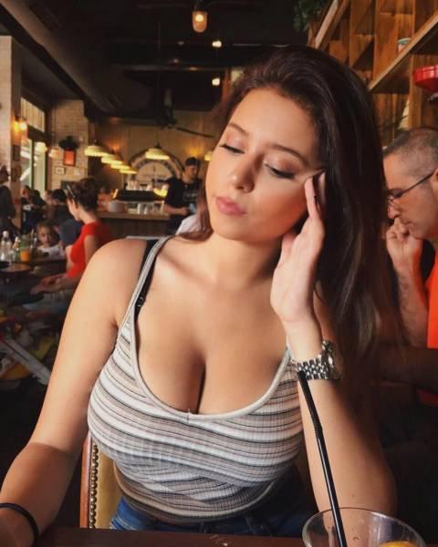 Женщины сбольшой грудью фото