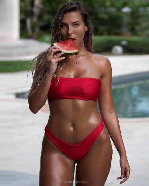 фото горячие женщины