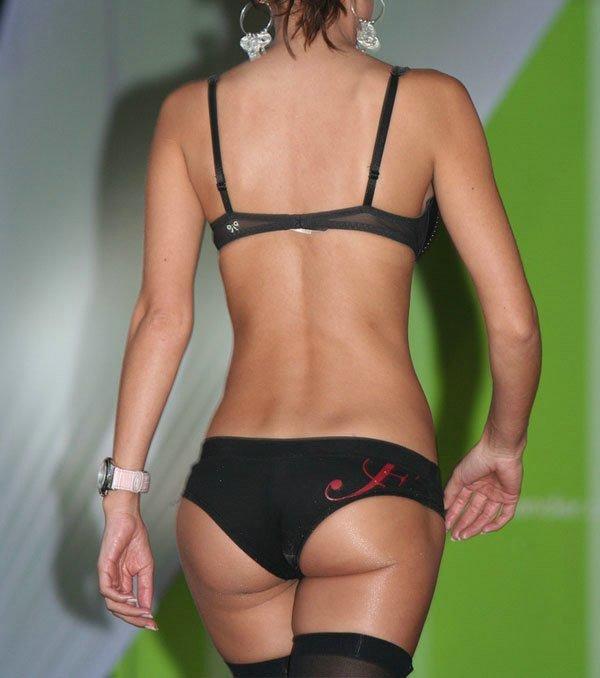 pokaz-bikini-foto