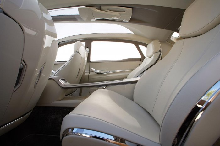 Lincoln MKT 2008 (12 фото)