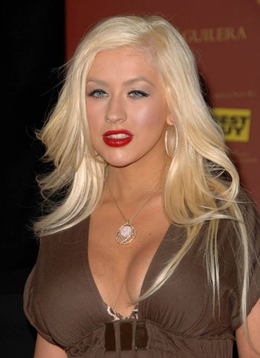 Christina Aguilera Hot Sexy Cute Boobs High As A Kite - Lowbird