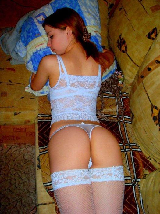 Присланное. Частные фото одной девушки (43 фото)