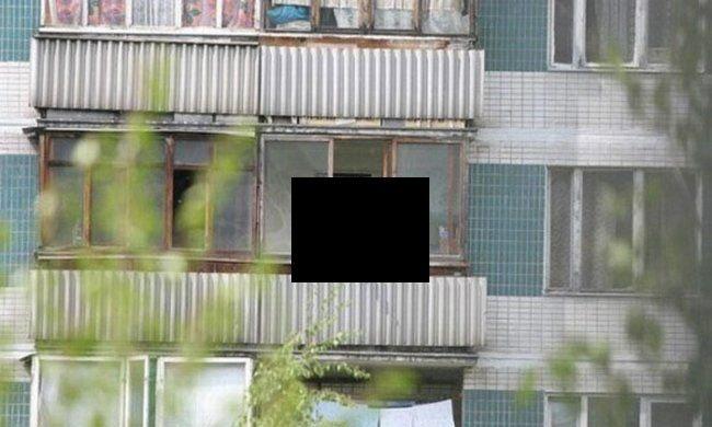 Голая соседка на балконе нарвится
