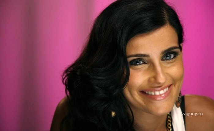Nelly Furtado (17 фото)