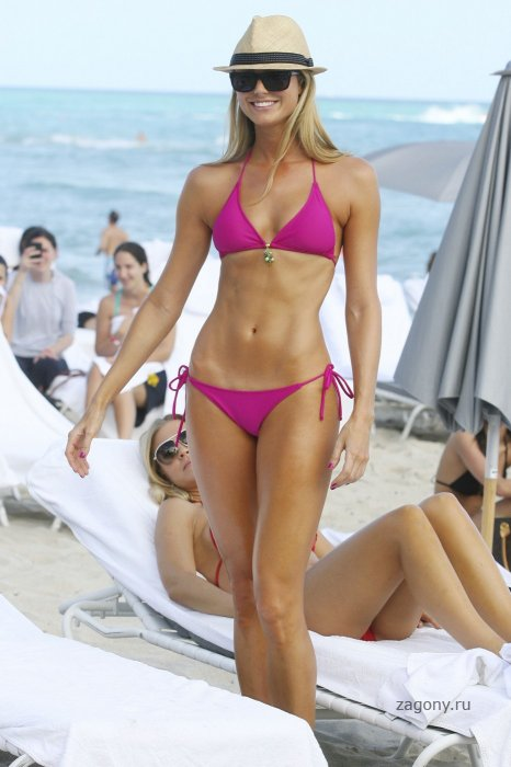 Stacy Keibler (10 фото)