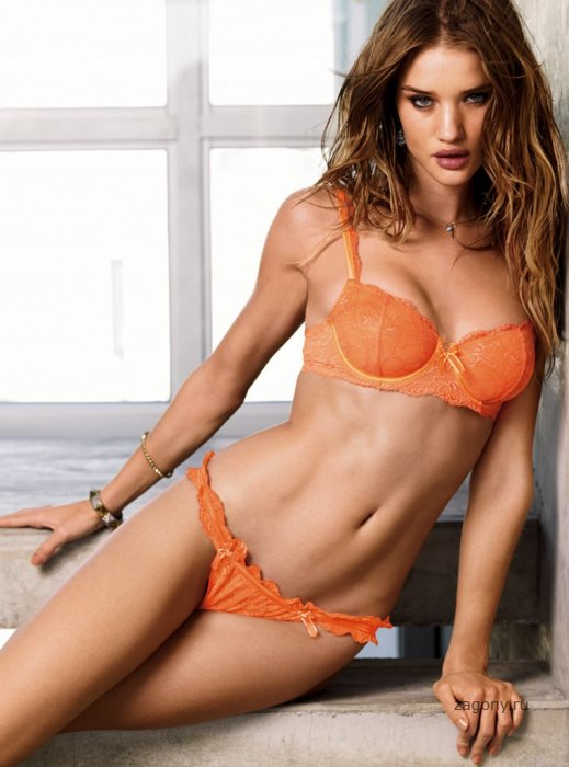 Rosie Huntington (20 фото)