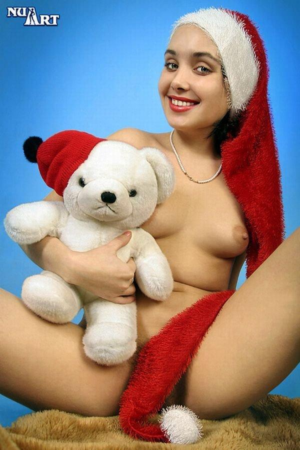 Фото голых девушек со своими мягкими игрушками порно