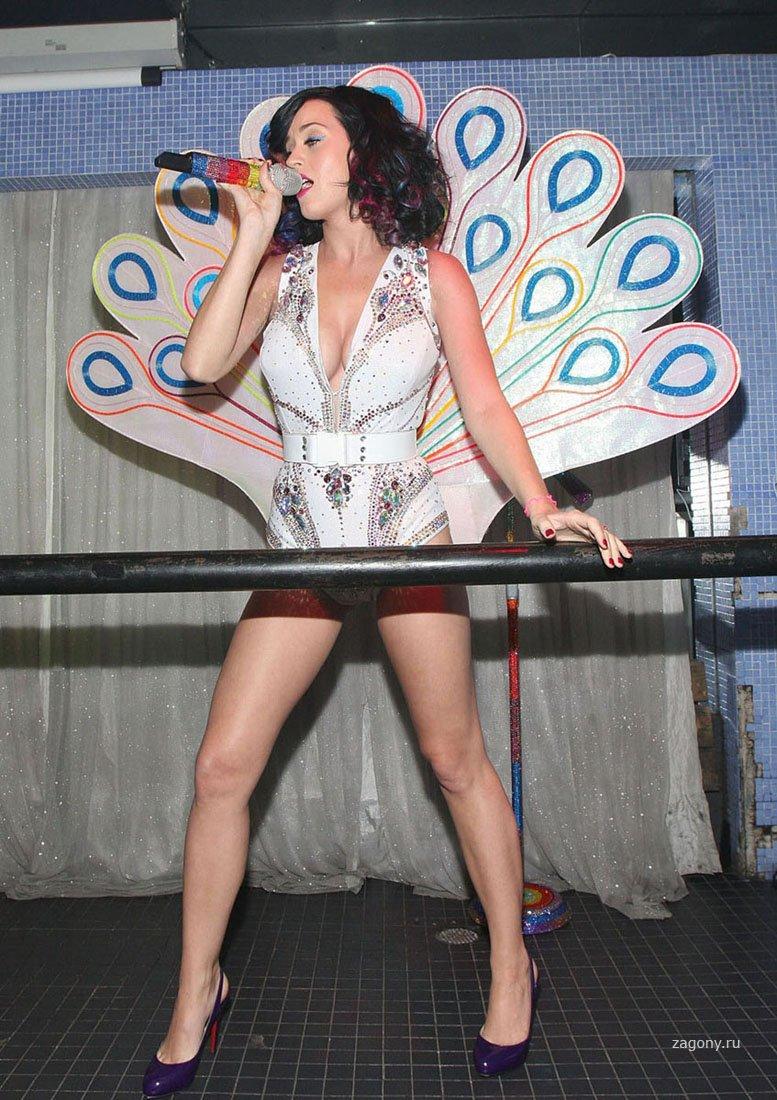 Selena spice latina model