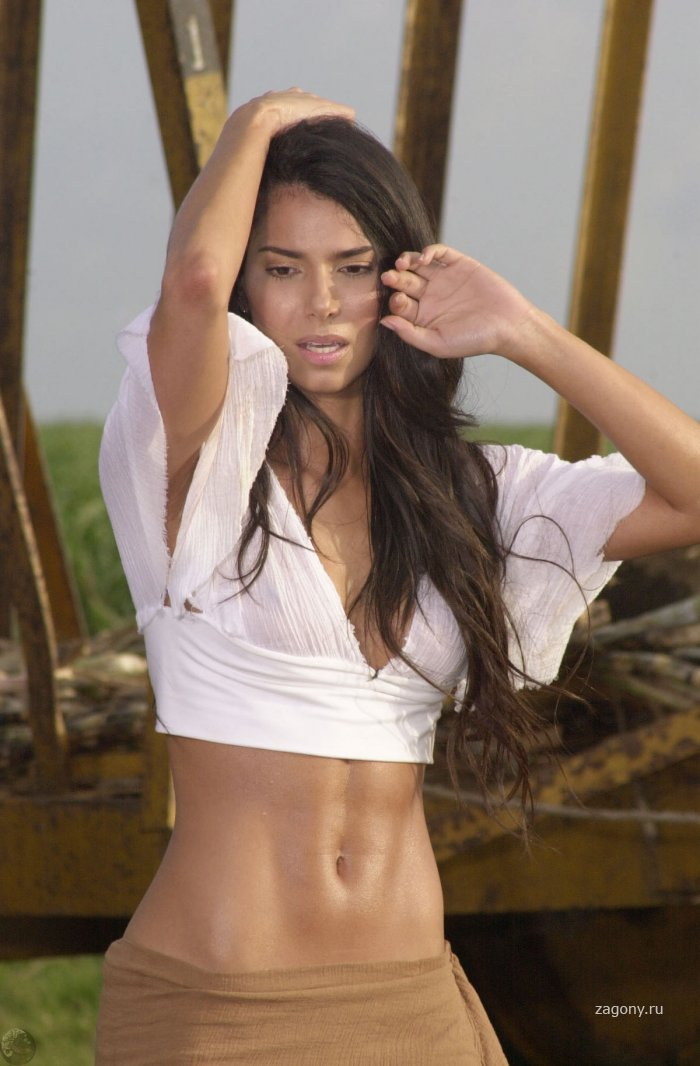 Roselyn Sanchez (19 фото)