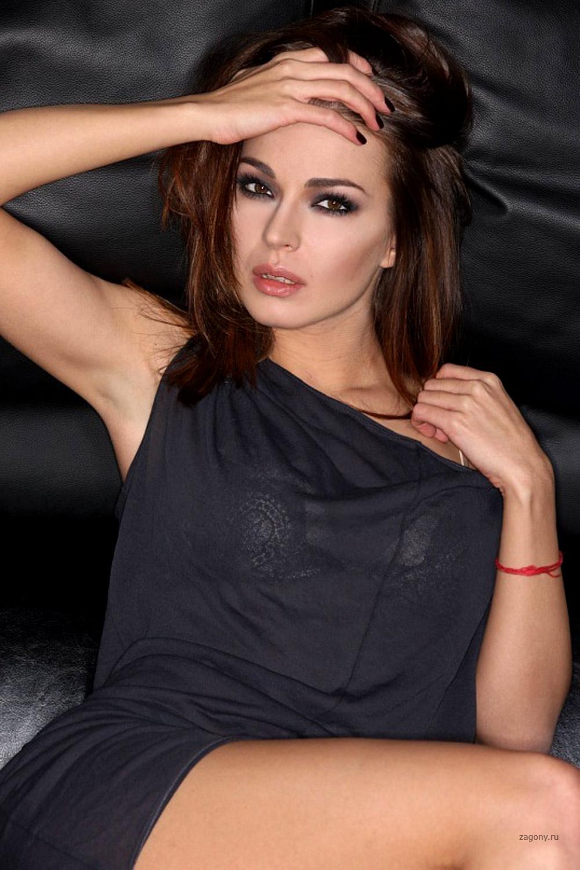 Русские актрисы брюнетки 18 фотография