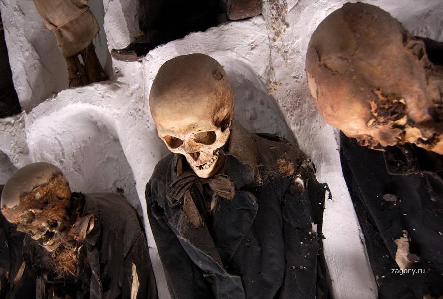 Страшные фото людей в гробу