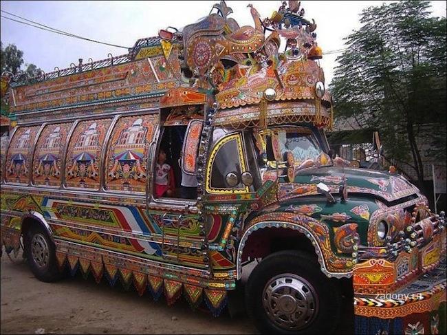 Пакистанские грузовики