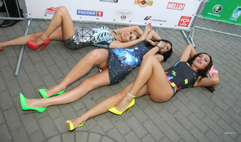 foto-golih-devushek-gruppa-serebro