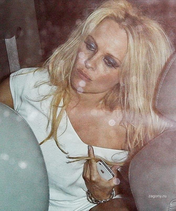christina aguilera looka like nude