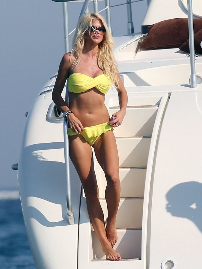 Victoria Silvstedt (13 фото)