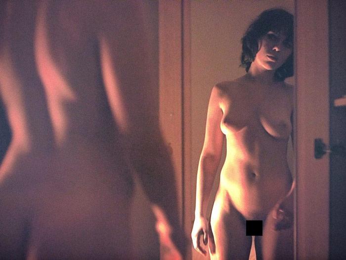 В фильмах голая грудь