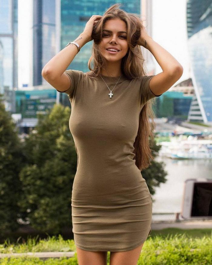 Сексуальная сучка в облягающей одежде фото фото 307-164